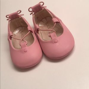 Children's place pink closed toe shoes